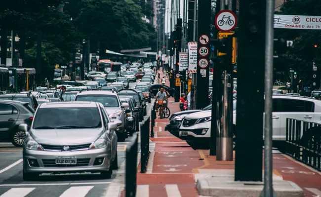 Trânsito na Av. Paulista, em São Paulo