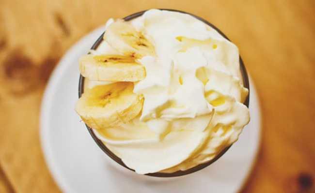 Sorvete de banana congelada