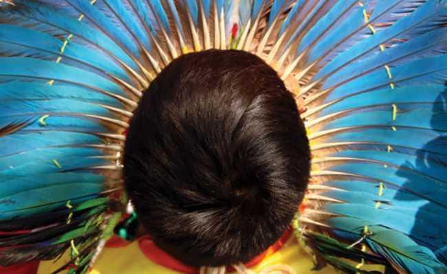 Livro sobre músicas indígenas