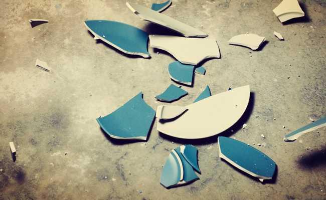 cerâmica quebrada
