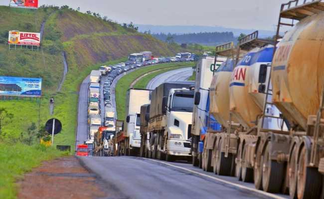 Greve dos caminhoneiros reduziu poluição em SP