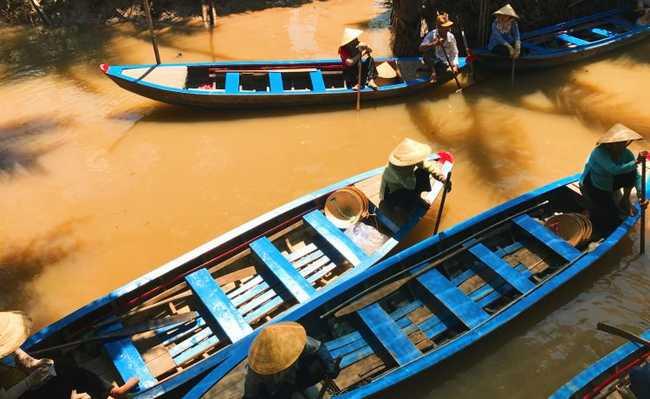 Barcos no rio Mekong