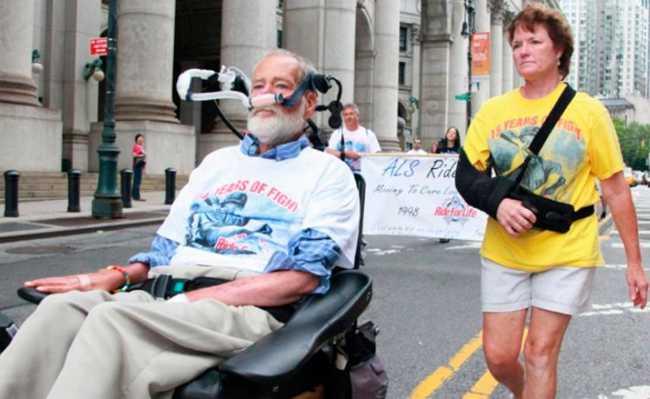 Pacientes com esclerose lateral degenerativa