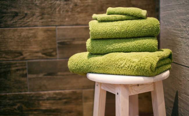 Como tirar o mofo da tolha de banho