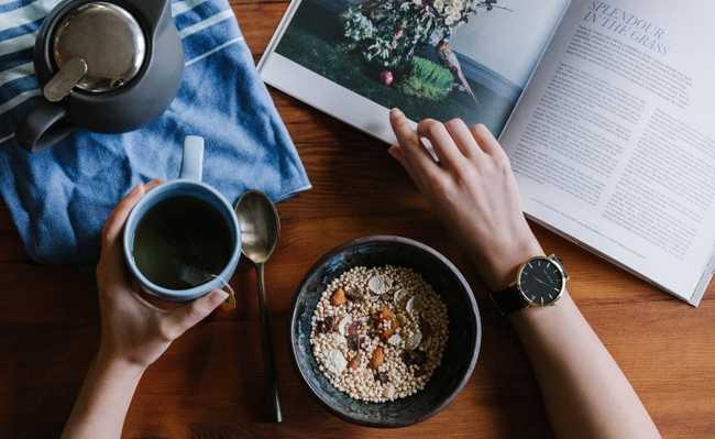 Adolescentes café da manhã
