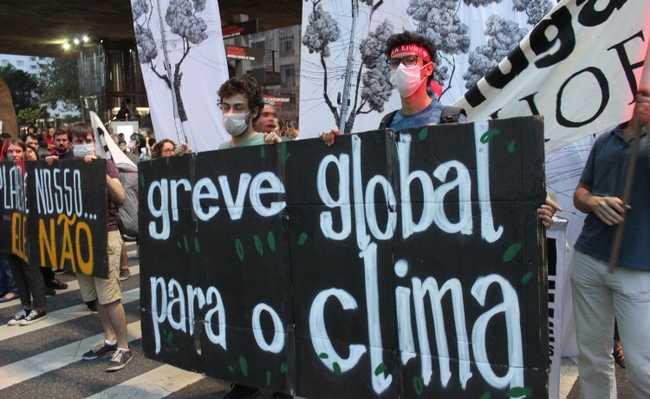 Greve pelo clima em São Paulo
