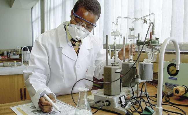cientistas indústria eletronica