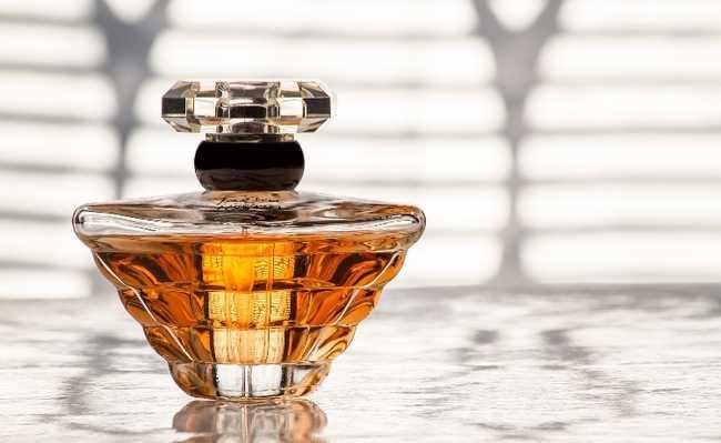 perfume carbono