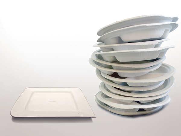 Em comparação à louça comum, o prato biodegradável possui um impacto significantemente menor no meio ambiente