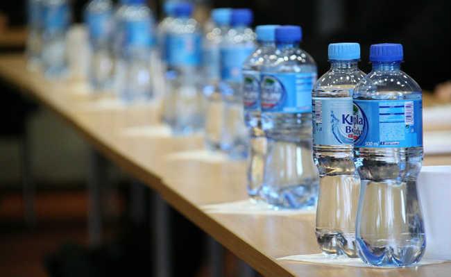 Garrafas PET de água