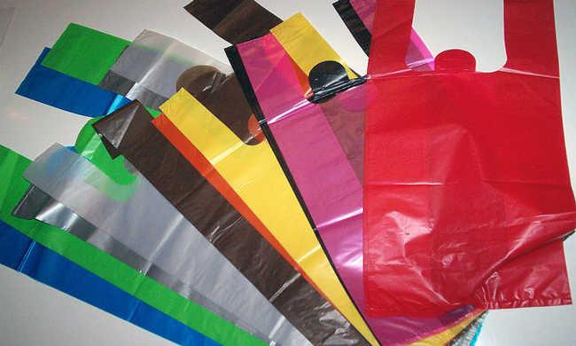 Reciclagem do plástico é possível mas reutilizar sacolas é mais recomendado