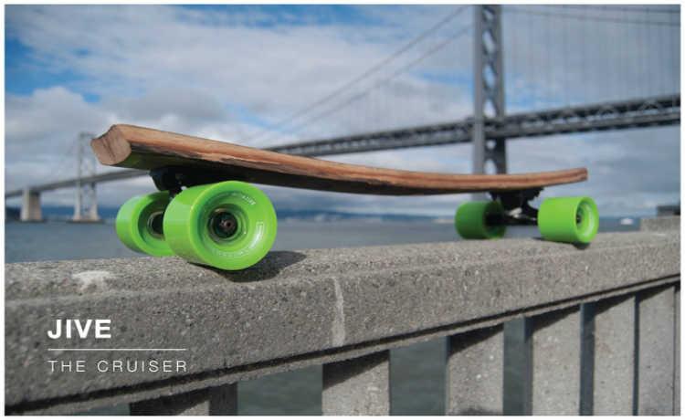 Designers criaram skates feitos a partir de madeira reaproveitada