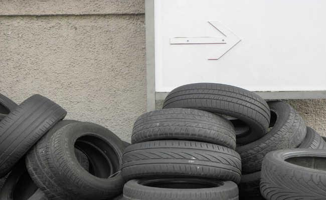 Como descartar pneu usado