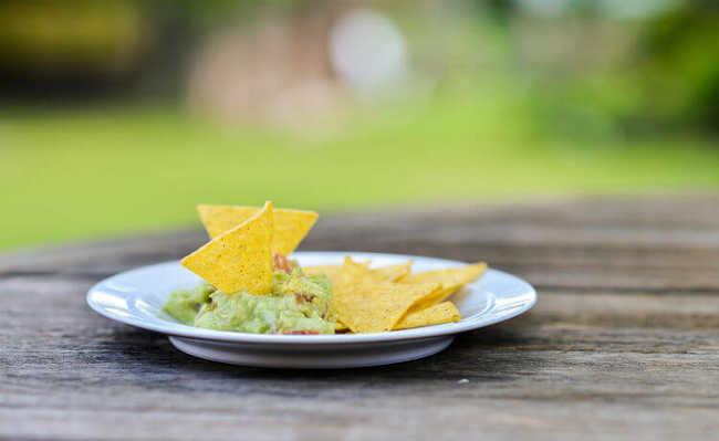Receita de guacamole inclui abacate e chia, dois ingredientes repletos de benefícios à saúde