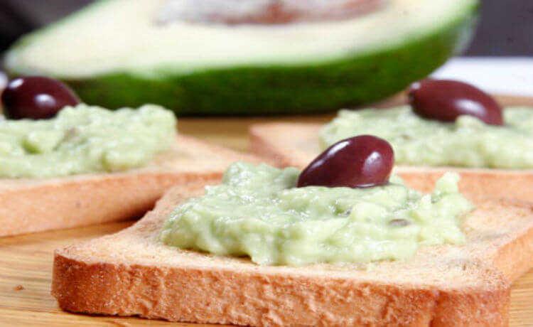Patê de abacate é delicioso, saudável e só precisa de um liquidificador