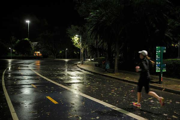 Praticar exercício físico à noite