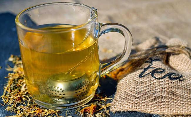 chá de alecrim e erva doce para tratar pressão baixa