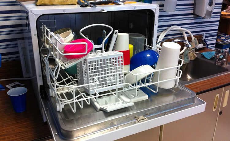 ee692c9c178 Guia da lavagem de louças  saiba como economizar água e sabão na ...