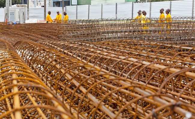 Siderúrgicas produzem material utilizado na construção civil
