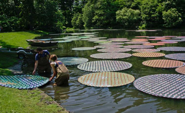 Artista utiliza materiais que seriam descartados e encanta com beleza da obra