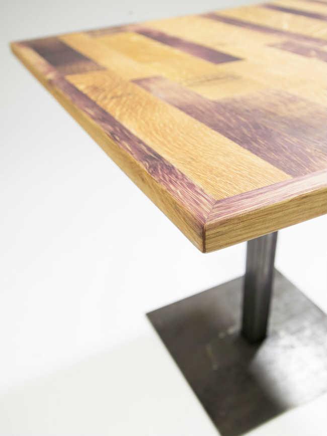 Mesa de madeira reaproveitada