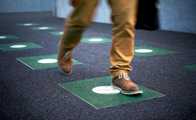 Pavegen: o piso que transforma o impacto do passo em energia elétrica