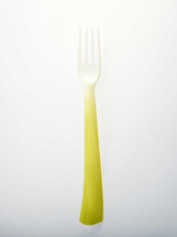 Garfo biodegradáveis feitos a partir de amido de milho