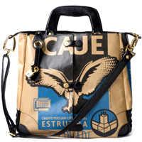 As bolsas se diferenciam pelo requinte e pelo destaque ao saco  de cimento