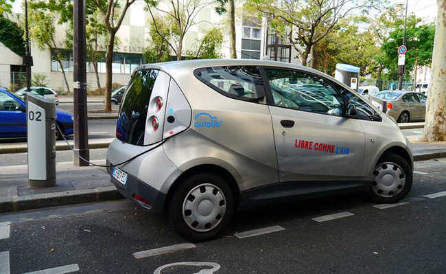 Carro elétrico na França