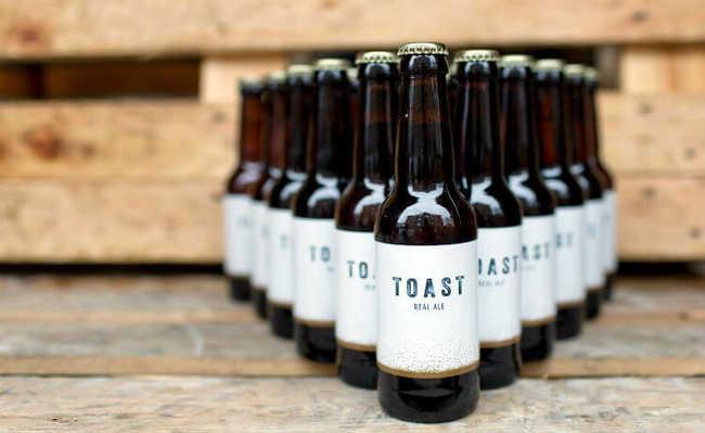 Cerveja premiada Toast Pale Ale é feita com sobras de pães