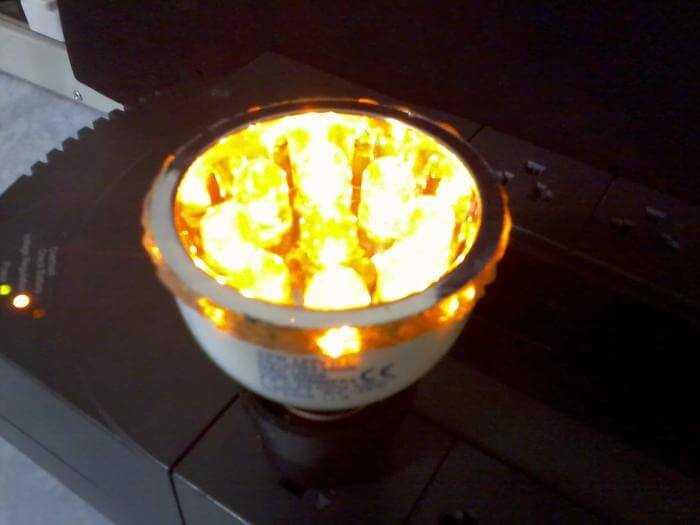 Lâmpada de LED reciclada