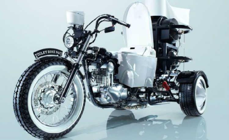 Empresa coloca vaso sanitário em moto