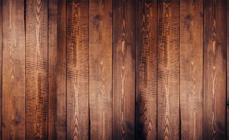 Não é reciclável mas reaproveitar madeira é uma opção