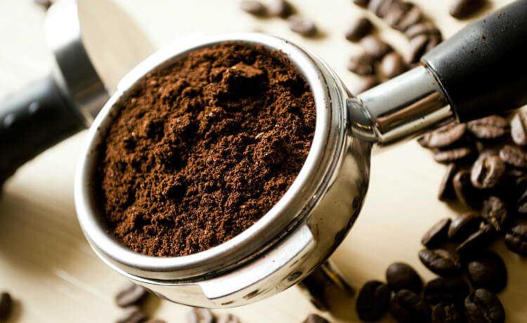 Sua cafeteira velha é reciclável mas também pode ser doada para quem precisa!