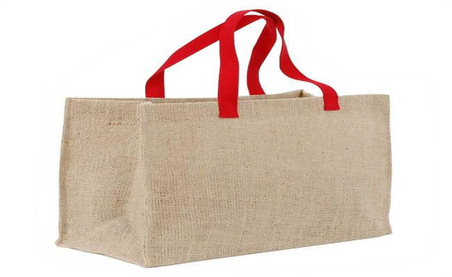 75a02a692 Há algum tempo, as sacolas plásticas tomaram conta do noticiário nacional.  O motivo: alguns estados planejavam retirá-las dos mercados.